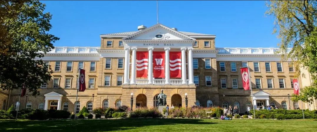 Wisconsin – Adults With At Least A Bachelor's Degree 34%